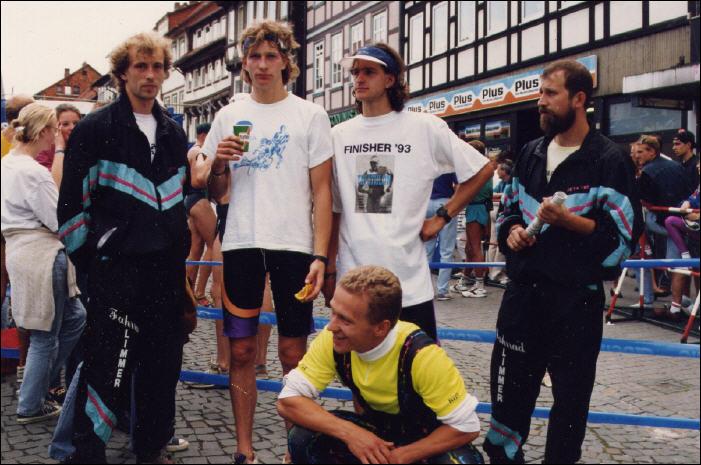 Deutschland-Cup 1993 in Northeim, v.l. D.Brettschneider, M.Kopf, S.Kopf, B.Brettschneider, sitzend F.Krönert - Foto: privat
